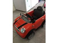 2 MINI COOPERS S CARS EXCELLENT CONDITION - AS-NEW £40 EACH - IT'S A STEAL