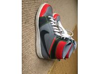 Excellent Condition NIKE High Tops SIZE 6