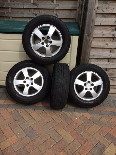 Set of 4 wheels with good tyres