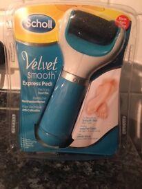Scholl Velvet Smooth Express Pedi - *Brand New In Box*