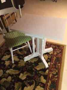 MATCHING TABLE & CHAIR