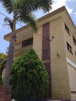 1 Bedroom Unit Minutes from the city, cafes and transport! $290pw