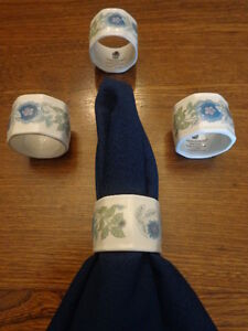 Set of 4 Vintage Wedgwood Napkin Rings, Clementine Pattern