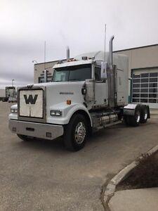 2014 Western Star 4900SA, Used Sleeper Tractor
