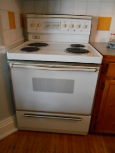 Eaton's Viking Electric Range $50.00