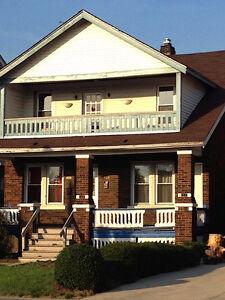 1044 Parent Avenue, LOWER DUPLEX