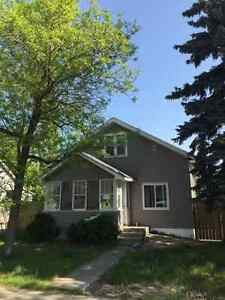3 bedr, 1 bath, fully renovated house w/ fenced yard in Estevan