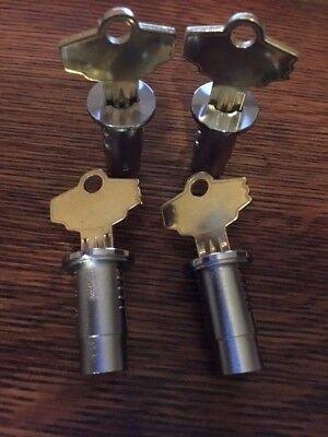 New Oak And Northwestern Gumball Vending Machine Locks - Set Of 4 -keyed Alike