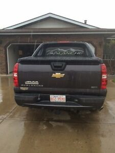 2011 Chevrolet Avalanche LT Package Pickup Truck