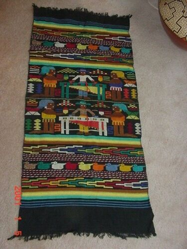 BEAUTIFUL MEXICAN WEAVING WITH MIRIMBA PLAYERS