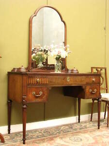 RARE ANTIQUE / VINTAGE FRENCH INLAID WALNUT DRESSING TABLE ~ SHAPED GLASS TOP
