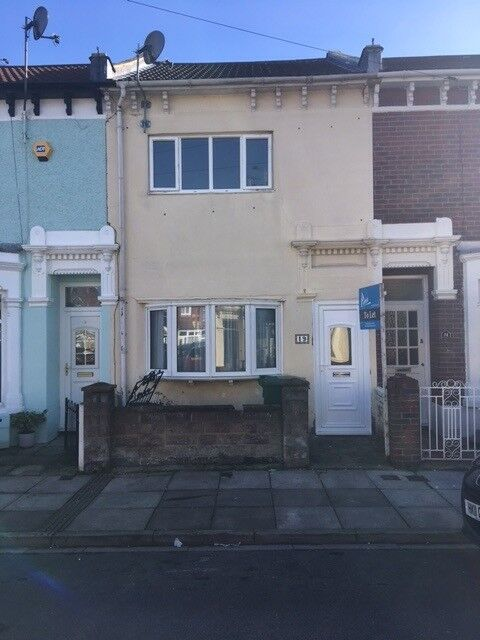 3 bed mid terrace house in Copnor