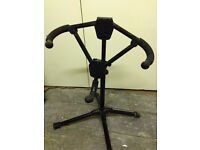 Guitar stand, assorted leads and pedals