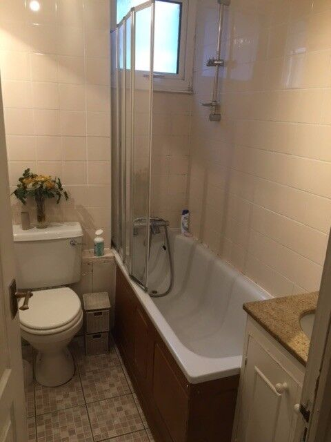 Large Double Room to Reny