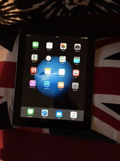 iPad 2 in black 16gb