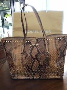 AUTHENTIC  MICHAEL KORS  PURSE BRAND NEW WITH TAG