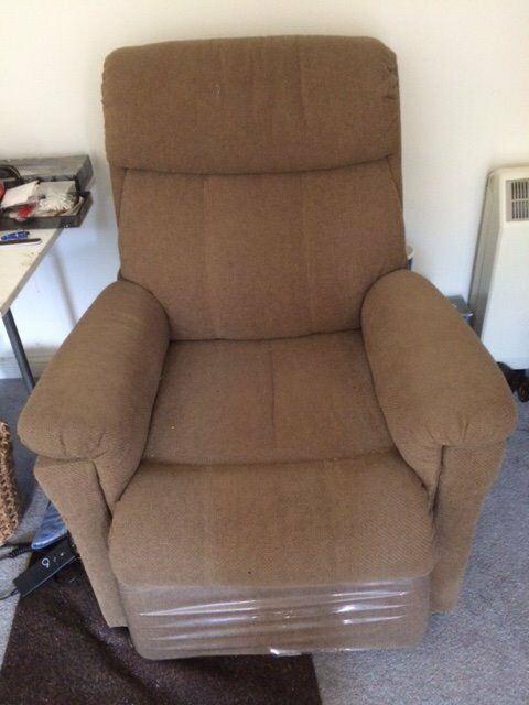 Electric Riser Reclining Chair Brown In Highworth