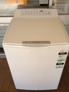 ELECTROLUX 8KG WASHER Southport Gold Coast City Preview