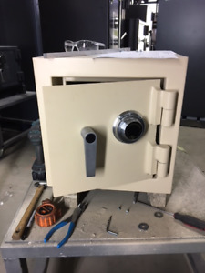 New 1212 Residential Jewelry Safe w/Mechanical Lock