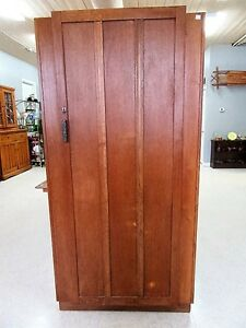 Large Antique Oak Cupboard Wardrobe