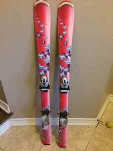 Girls size 117cm skis and bindings