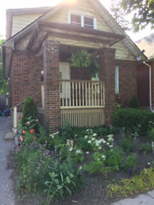 Full House for Rent - Great Oshawa Location - Avail Aug 1st