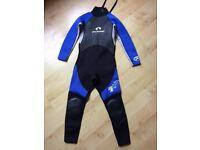 Portwest Kids aged 10/11 3/2mm wetsuit, slight wear and tear