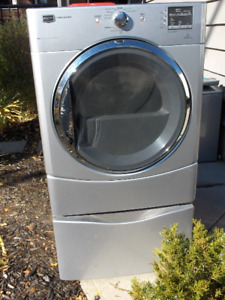 MAYTAG Series 2000 Clothes Dryer and Pedestal