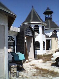 BAHAMAS CASTLE STYLE HOME FOR SALE