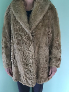 VINTAGE LADIES PERSIAN LAMB COAT