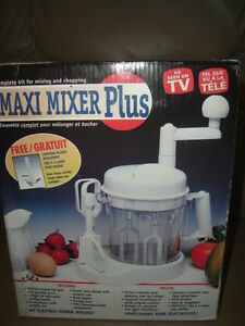 ~REDUCED 1/2 OFF BRAND NEW MAXI MIXER PLUS ~AS SEEN ON TV $24.99