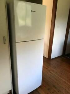Refrigerator - Westinghouse 276L