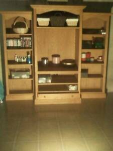 Display cabinet / Entertainment unit