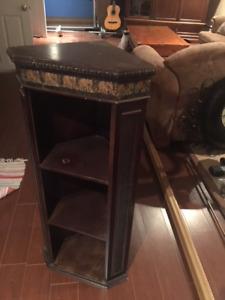 Petit meuble / encoignure Asiatique avec tablettes