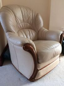 Cream Leather Single Armchair – Great Condition – Top Quality