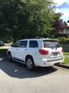 2011 Toyota Sequoia 4WD Limited with Technology Package