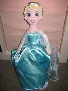 Brand NEW Authentic Elsa and Anna Plush Flip doll - 2 in 1
