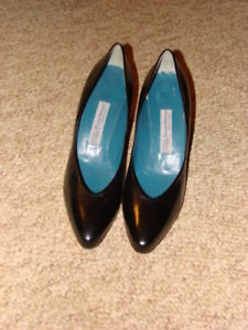 New Evan Picone Leather Pumps