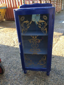Display cabinet (blue)