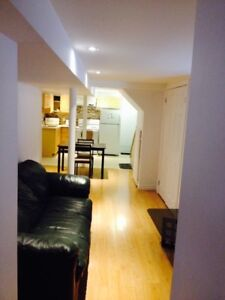 STUDENT RENTAL: PRIVATE  BEDROOM AVAILABLE IN 3-BR APARTMENT