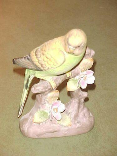 Wonderful Vintage Porcelain Parakeet Figurine