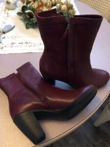 Brand New ECCO Leather Boots