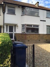 No Agency Fees, 3/4 Bedroom House, 5 mins to High Barnet Station