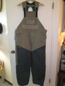 Men Hunting Pants. Mint Cond. Colombia(with catching bag) $45.00
