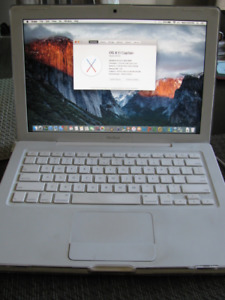 2009 Macbook 2.16ghz, 250gb hdd, 4gb ram, good battery/charger