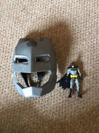 BATMAN TALKING MASK AND ACTION FIGURE