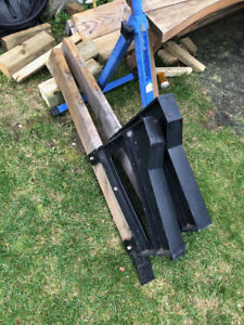 2 Bench Brackets for a deck bench