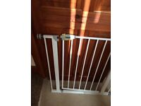 Hauck baby gate excellent condition
