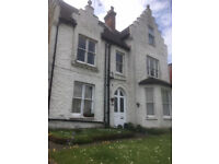 One Bedroom F/F Flat located a stone's throw from top of the Guildford High Street.