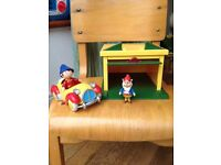 NODDY CAR + GARAGE (With Mat and 3 characters)